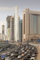 Dubai;Middle-East;arabic;road;highway;car;car-culture;lane;gas-guzzlers;climate-change;global-warming;pollution;travel;transport;exhaust;carbon-footprint;C02;emmissions;rush-hour;busy;high-rise;tower-block;development;luxury;wealthy;expensive;architecture;design