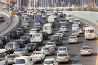 Dubai;Middle-East;arabic;road;highway;car;car-culture;lane;gas-guzzlers;climate-change;global-warming;pollution;travel;transport;exhaust;carbon-footprint;C02;emmissions;rush-hour;busy
