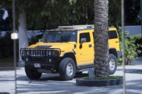 yellow;car;Hummer;gas-guzzler;chelsea-tractor;climate-change;global-warming;inefficient;Dubai
