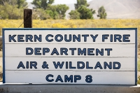 USA;US;America;California;desert;Tehachapi-Pass;brown;drought;dessicated;dried-up;climate-change;global-warming;tree;branch;dead;dying;killed;hill;farmland;parched;Kern-county;Fire-Department;wildfire