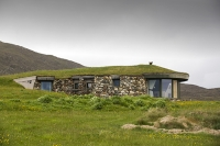 Harris;Isle-of-Harris;Outer-Hebrides;hebrides;Scotland;UK;green;modern;construction;green-roof;green-architecture;location;Scarista;detached;detached-house;blend-in;Scarista;holiday-home