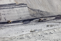 Beltana;Xstrata;Highwall-mining;mine;mining;open-cast;open-cast-mine;drift-mine;drift-mining;coal;coal-mine;Hunter-Valley;New-South-Wales;Australia;fossil-fuel;pollution;dirty;C02;carbon-dioxide;climate-change;global-warming;pit;hole;environment;destroy;destruction;excavate;bedding;geology;resource;road;truck;dust;dusty;spraying;dust-suppression;machinary;miner;plant