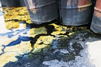 oil-barrel-leaking-pollution-environment-Alaska-Nome-USA-contami;oil-industry;oil-spill;thoughtless;destroy;groundwater-contamination;rust;rusting;environment