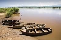 Malawi;Africa;African;Shire-Valley;Shire-river;boat;moored;river-bank;Chikwawa