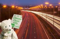 protest;protestor;banner;placard-chaos;polar-bear;costume;motorway;rush-hour;emissions;travel