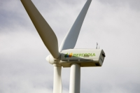 renewable-energy;wind-turbine;wind-farm;carbon-neutral;carbon-footprint;wind-power;blade;windmill;clean;green;environment;green-investment;Iberdrola;sky