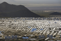 USA;US;America;California;Mojave-Desert;desert;electricity;generating;renewable;renewable-energy;solar;solar-power;solar-panel;PV;photo-voltic;South;aspect;south-facing;carbon-neutral;climate-change;global-warming;solar;investment;clean-energy;technology;construction;green;green-energy;tower;solar-tower;solar-thermal;heliostat;mirror;white-hot;steam;boiler;generator;generating;Ivanpah