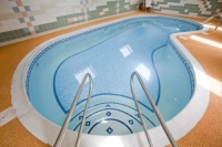 indoors;room;blue;water;pool;swimming-pool;Rosedale-Abbey;HPB;holiday-property-bond;relax;spa;tiles;tiled;plunge-pool