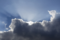 weather;sky;cloud;water-vapour;sunlight;blue;sun-shaft;jacobs-ladder;backlit;Norfolk;UK;illuminated;illumination;shape;outlien;silver-lining;every-cloud