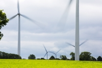wind-farm;wind-farm;UK;renewable;renewable-energy;green;clean;carbon-neutral;energy;electricity;wind-turbine;climate-change;global-warming;onshore;movement;motion-blur;turning;generating;Cranford;rubbish;Northamptonshire;Yelvertoft;Yelvertoft-windfarm